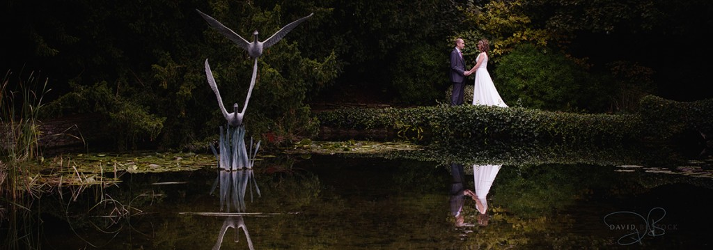 wedding photography award couple by swan sculpture