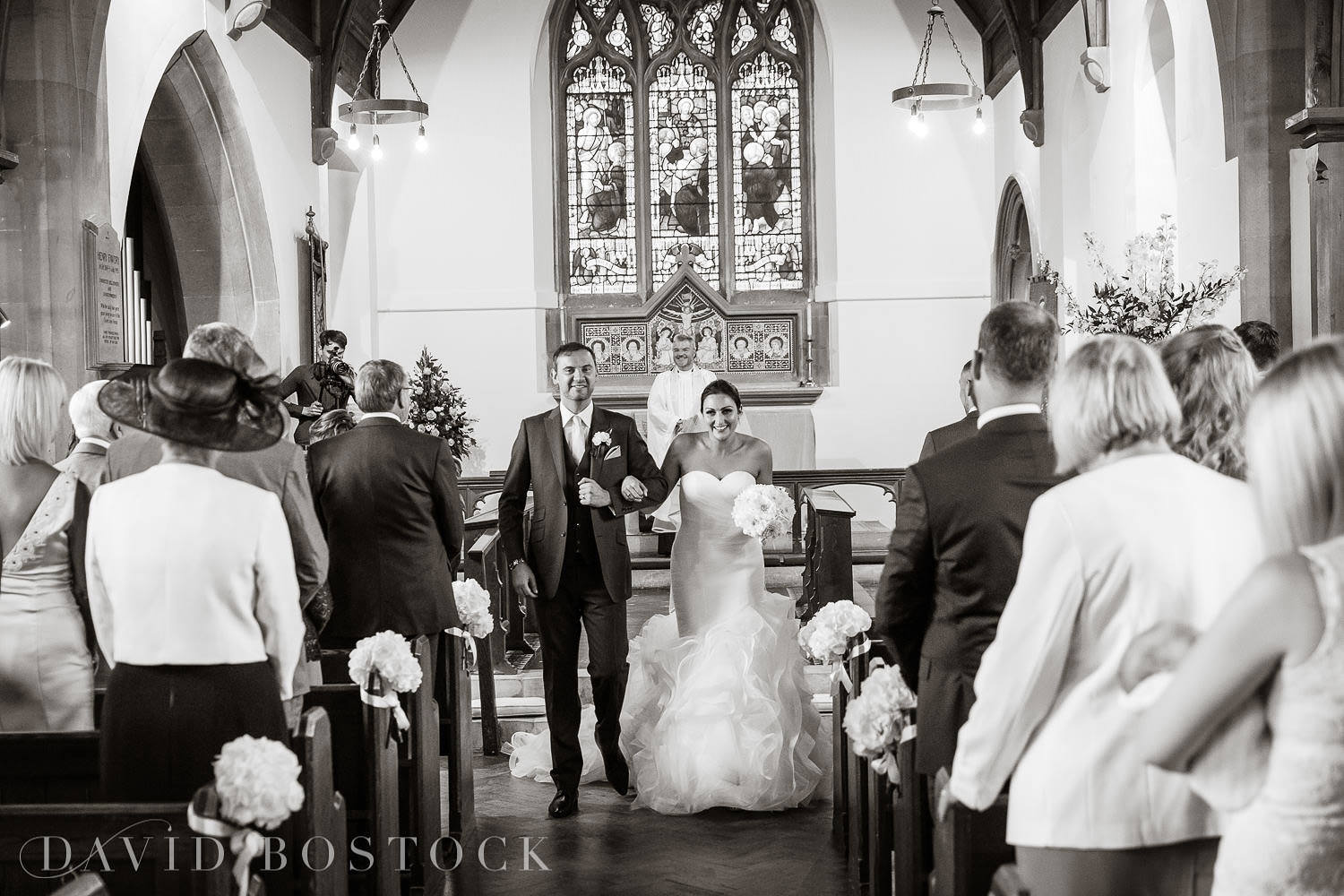 Oxfordshire wedding bride and groom aisle