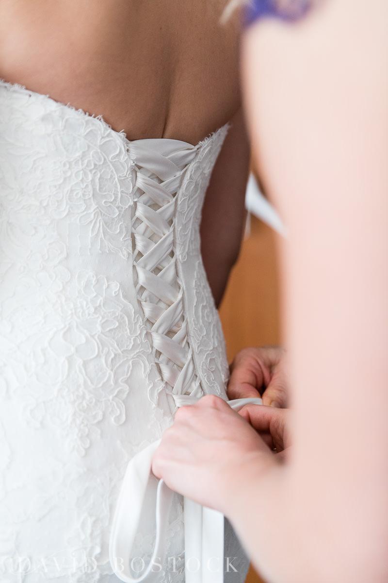 Hertford College Oxford wedding bride getting ready
