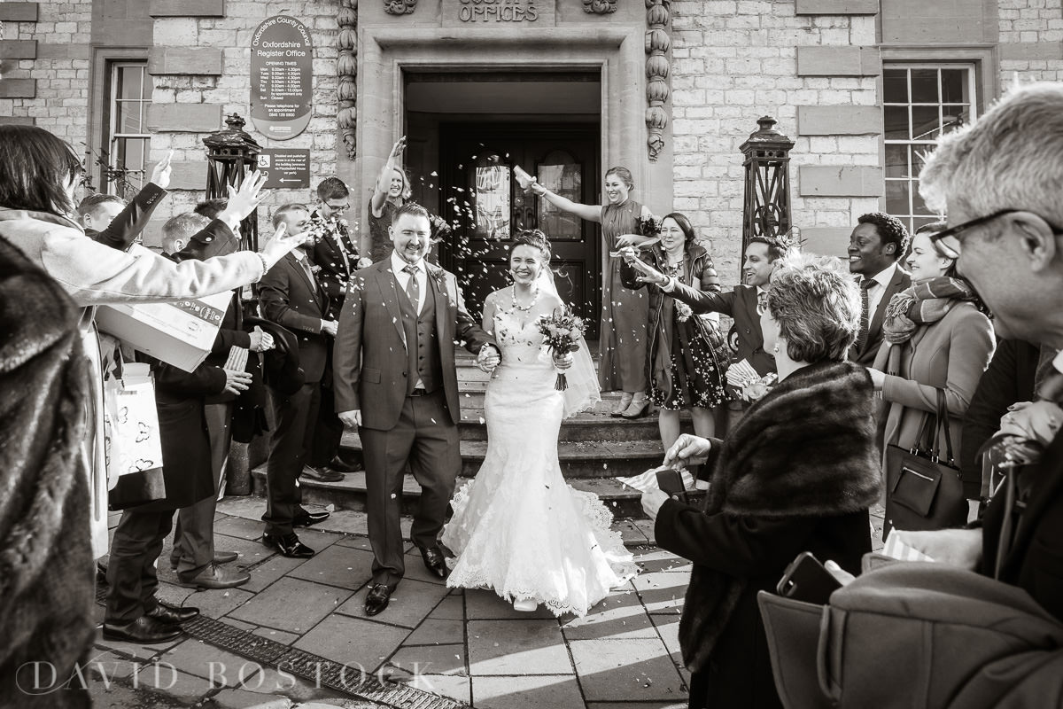 Hertford College Oxford wedding confetti