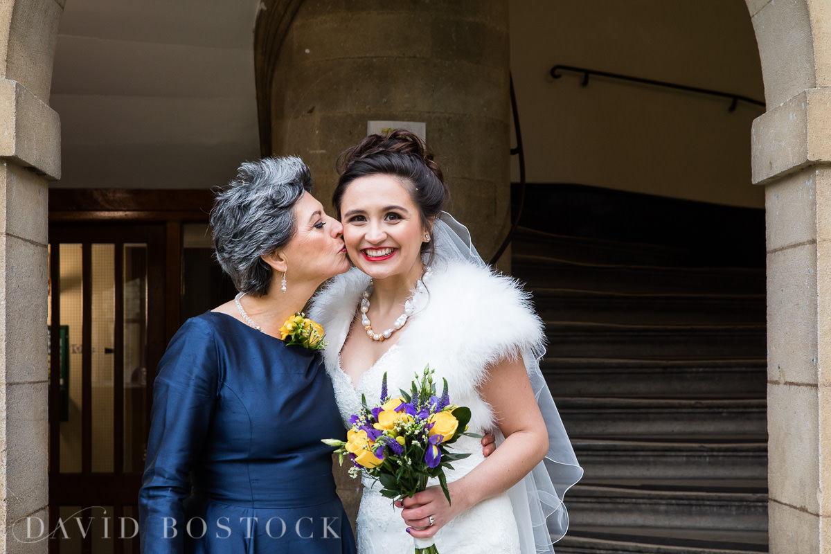 Hertford College Oxford wedding bride with mother