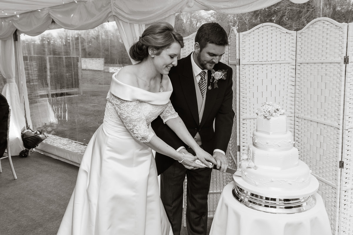 Ardington House wedding cutting cake