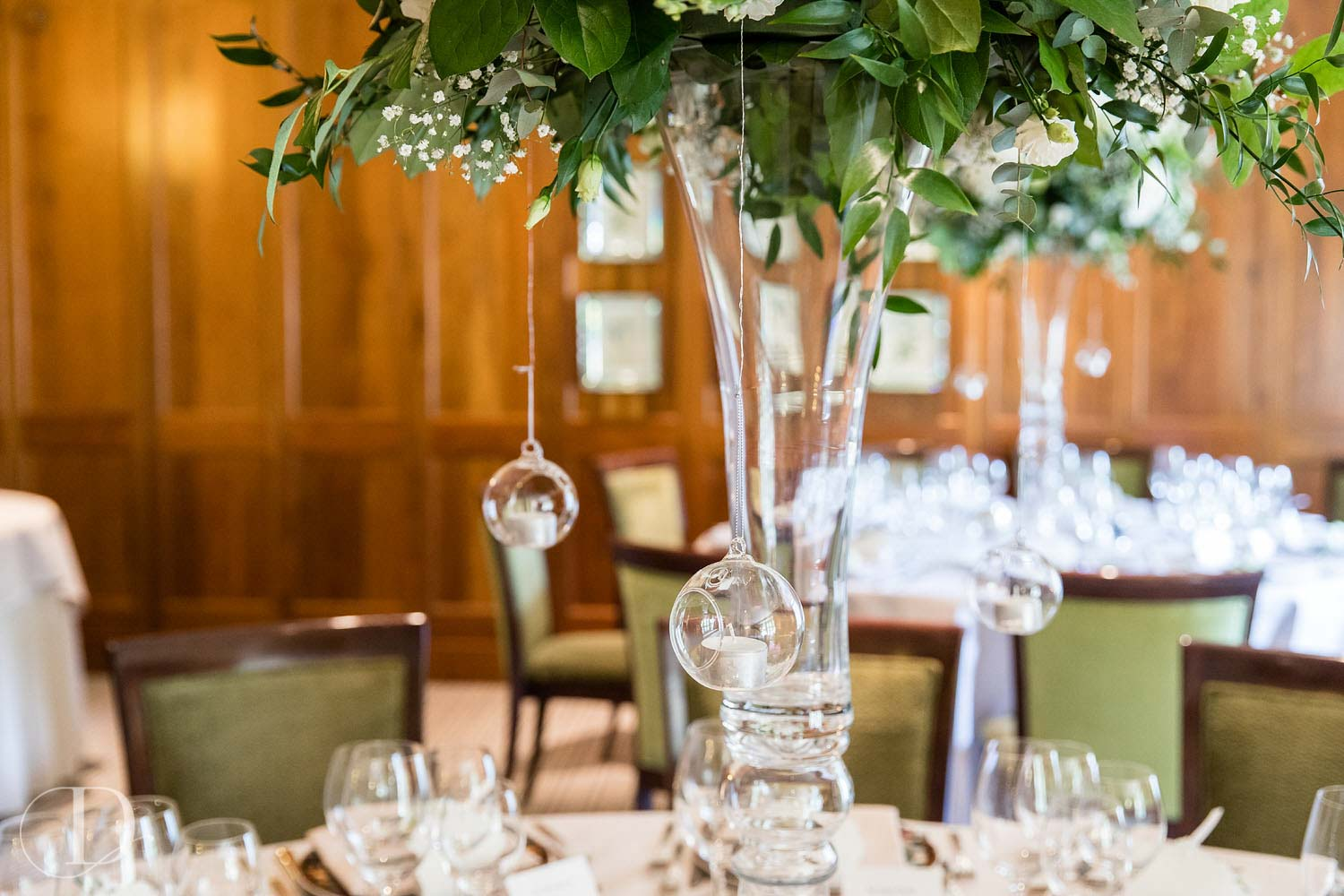 Le Manoir aux Quat'Saisons wedding table