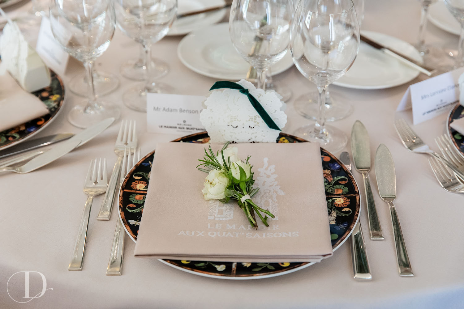 Le Manoir aux Quat'Saisons wedding place setting