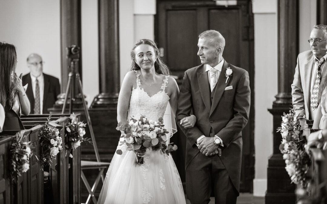 The great barn aynho wedding | oxford summer barn wedding